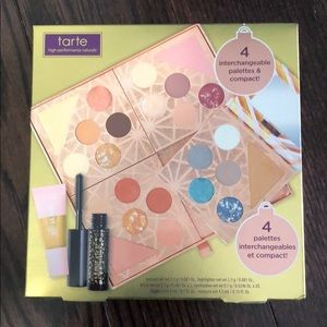 Tarte Gift and Glam collection